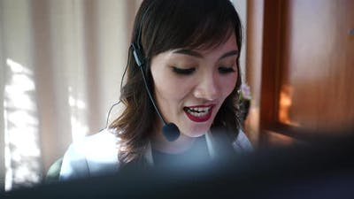 Business woman call center support talking with customer about service