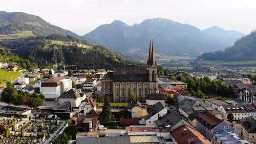 Kirche Berg City Village Drohne