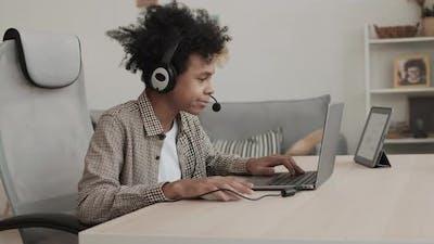 Teenage Video Games Streamer