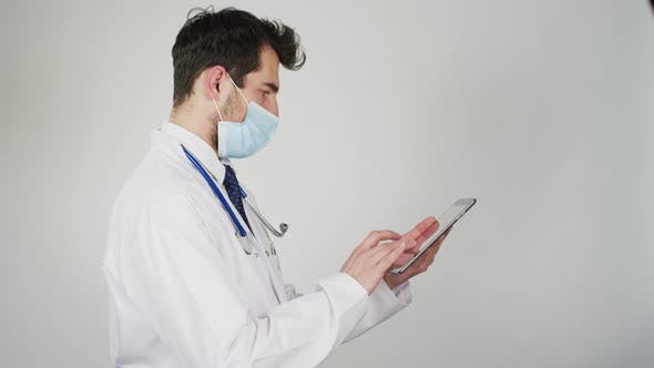 Cover Image for Doctor working on tablet