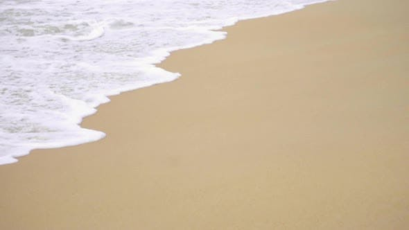 Cover Image for Waves on a Sandy Beach