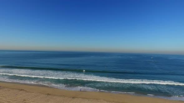 Thumbnail for Luftaufnahme des Strandes und Ozeans.