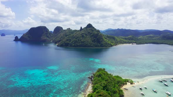 Cover Image for Beautiful View of a Tropical Snake Island, El Nido, Palawan, Philippines