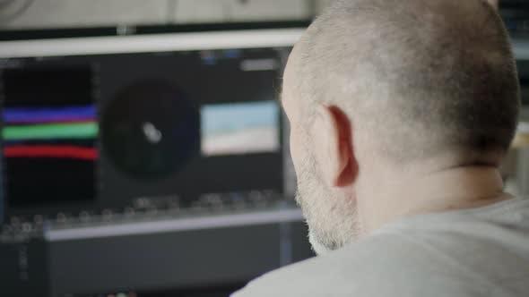Thumbnail for Video Editor Arbeiten zu Hause
