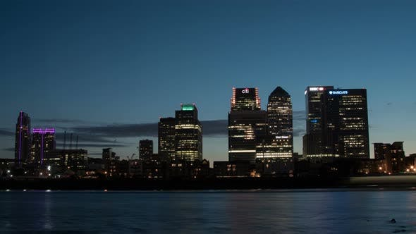 Night timelapse of Canary Wharf in London