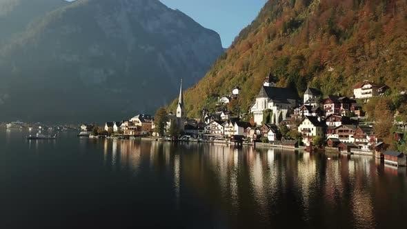 Thumbnail for Schöne Landschaft des Hallstätter Dorfes und des Hallstätter Sees in Österreich