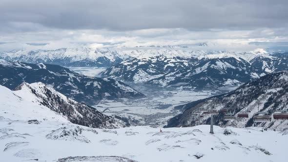 Timelapse of Kitzsteinhorn ski resort