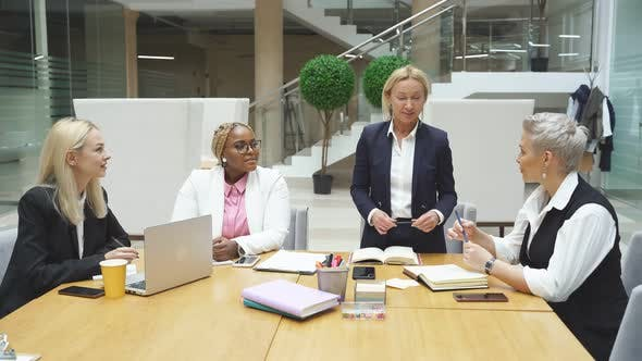 African Female Manager Hold Interracial Conference Colloborate Cooperate