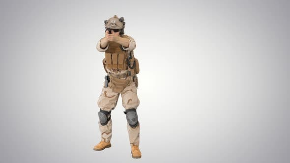 Thumbnail for Moderner Soldat Gegen Terrorist Squad Fighter Schießen mit einer Pistole auf Farbverlaufshintergrund