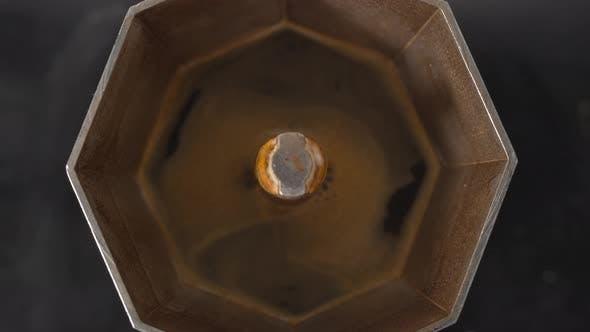 Fresh Flavourful Coffee with Moka Pot