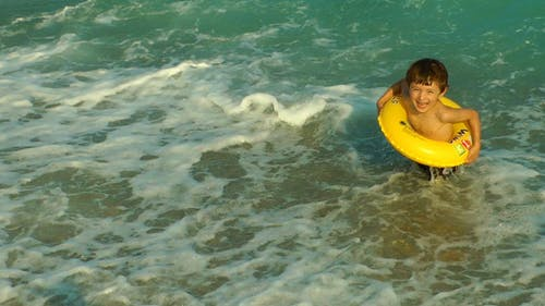 The Kid In The Sea