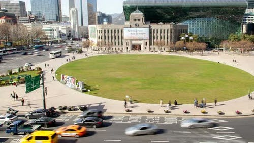 Timelapse Seoul Plaza and Metropolitan Library at Road