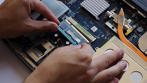 Thumbnail for Mounting RAM Memory on Laptop
