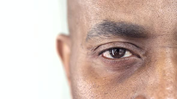 Cover Image for Brown Eye of an Afro-American Man