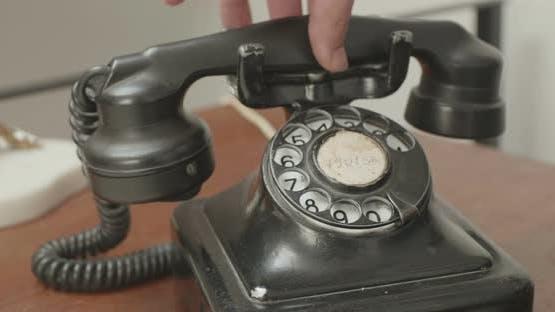 Dialing Number On Vintage Phone
