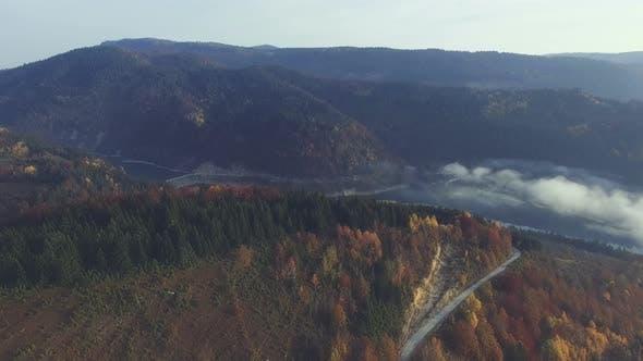 Thumbnail for Luftaufnahme ländliche Berglandschaft 2
