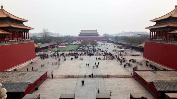 Cover Image for Chinese Tourists on Beijing Forbidden City Square Timelapse