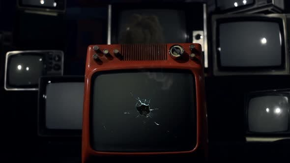 Vintage TV with Green Screen Explosion. Zoom In.