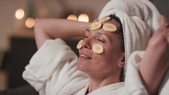 Thumbnail for Banana Slices For Glowing Skin