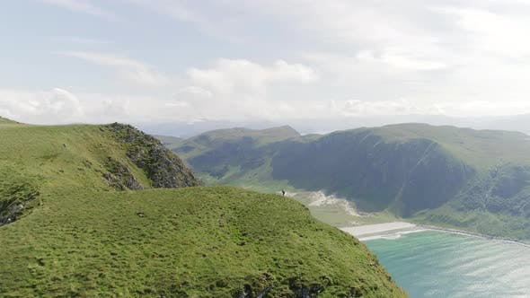 Thumbnail for Running at the Edge of the Mountain, Hoddevik