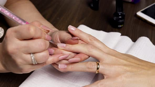 French Manicure.