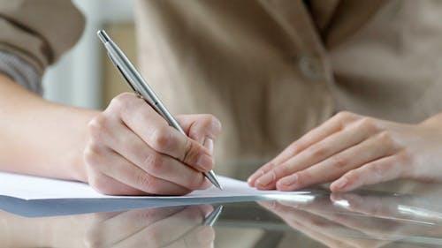 Schreiben eines Briefes