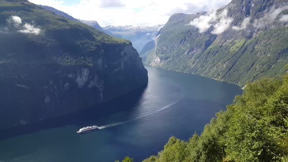 Thumbnail for Cruise ship in the Geiranger Fjord