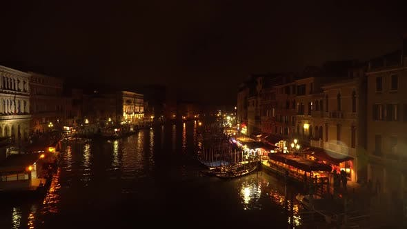 Cover Image for Night View Of The Canals Of Venice 2
