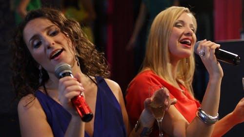 Karaoke Mädchen