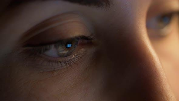 Thumbnail for Close Up of Woman Eye Looking at Computer Screen 11