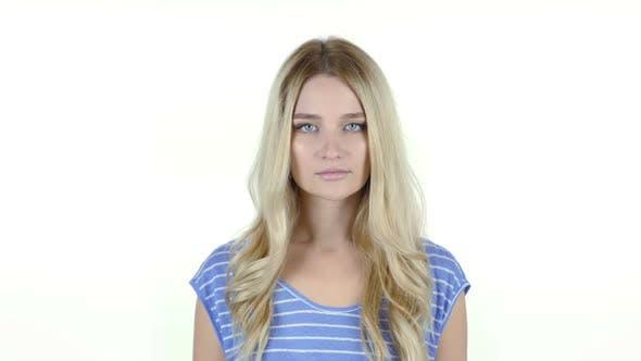 Thumbnail for Porträt des jungen Mädchens, weißer Hintergrund