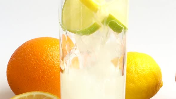 Preparation of Lemonade with Ice