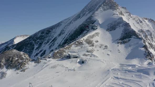 Skii Lift Houses