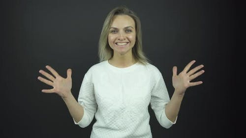 Experienced Actress Performs Happiness Emotions at Audition