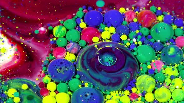 Thumbnail for Colorful Ink Spheres on Oil 34