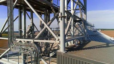 Grain elevator. The modern agricultural enterprise. Grain processing. Storage of grain