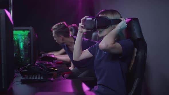 Thumbnail for Gamers Using VR Googles