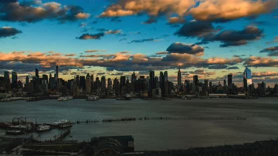 Thumbnail for New York City Skyline With Moving Clouds 02