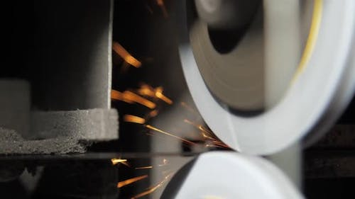 Special Circles Rotate Sharpening Blade with Orange Sparks