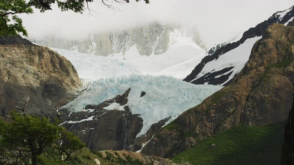 Thumbnail for A Still Shot of the Mountains of El Chalten in Argentina