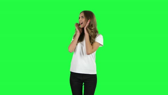 Cover Image for Lovable Girl Screaming When Calling Someone. Green Screen