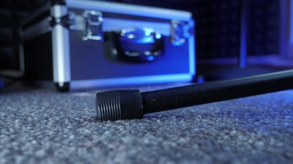 Microphone stand leg