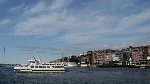 Thumbnail for Ferry leaving in the harbor of Oslo