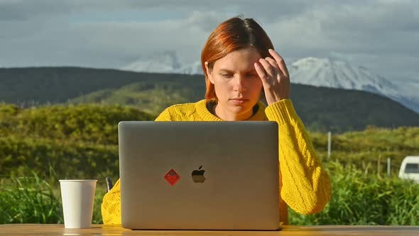 Woman with Laptop Outdoors Blogger in Sweater Surfs Internet Avki
