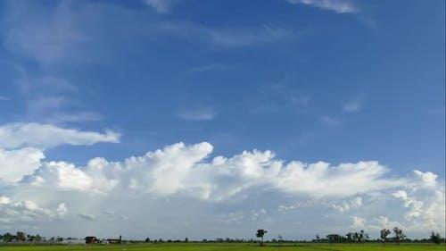 Cloudscape time lapse.