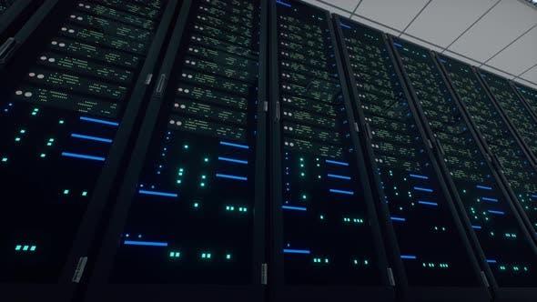 Thumbnail for Netzwerk- und Datenleistungsserver hinter Glaspaneelen in einem Serverraum eines Rechenzentrums oder ISP.