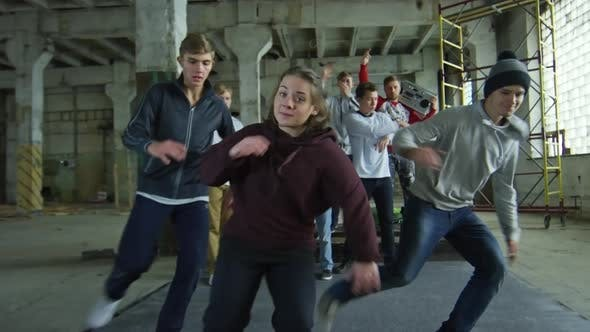 Thumbnail for Freunde tanzen Hip Hop