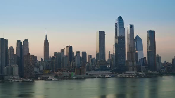 Thumbnail for Sunrise in New York City Skyline