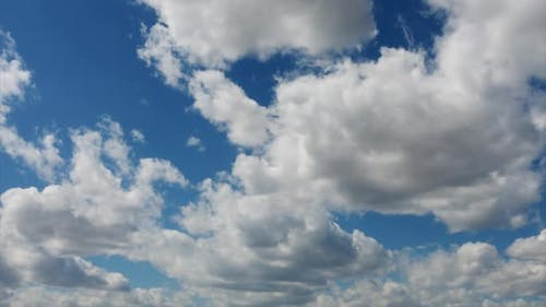 Qualitative Time Lapse of Blue Sky and Clouds