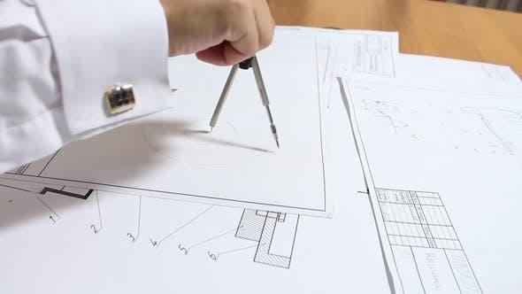 Thumbnail for Engineer Draws A Circle